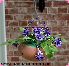 SUSPENSION florale en Pot CERAMIQUE, FLEURS mauves