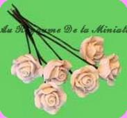 FLEURS COUPEES -  ROSE miniature, Coloris BLANC - VENDUE à l' UNITé
