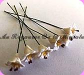 FLEURS COUPEES -  LYS miniatures, MF25 Coloris BLANC- VENDUES à l' UNITé