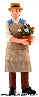 Personnage miniature en RESINE, JARDINIER miniature av. POT de FLEURS