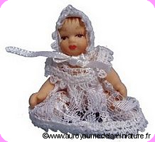 Personnage BEBE miniature,