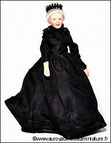 Ech. 1/12 - Personnage GRAND-MERE,  ROBE  NOIRE