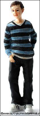 Personnage miniature en RESINE, JEUNE HOMME / ADOLESCENT