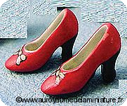 CHAUSSURES miniatures,  Coloris ROUGE