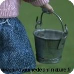 MENAGE - Petit SEAU miniature  en METAL ''galvanisé''