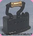 MERCERIE -  FER à REPASSER miniature en Métal NOIR