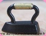 MERCERIE - FER à REPASSER miniature en Métal INOX