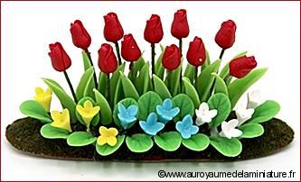 Grand PARTERRE de FLEURS miniature, TULIPES rouges